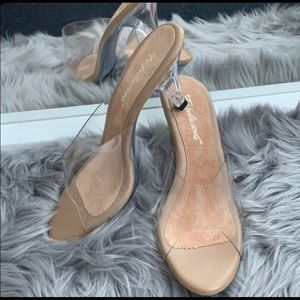 Beautiful Elegant Clear Heels Size 8